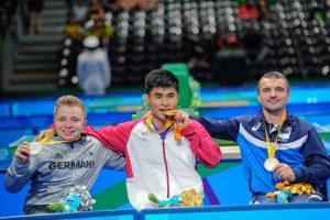 BARRA, BRASILIEN - SEPTEMBER 12: Valentin Baus (GER) vom BSG Duisburg-Buchholz e.V./Nordrhein-Westfalen [Paralympische Klassifizierung: WK5] gewinnt die Silbermedaille im Tischtennis in der Riocentro3 von Barra am 12.9.2016 in Rio de Janeiro/Brasilien Gold gewann der Chinese Cao NingNing, Bronze ging an den Serben Mitra Palikuca. (Foto: © 2016 Uli Gasper (www.uliphoto.de))